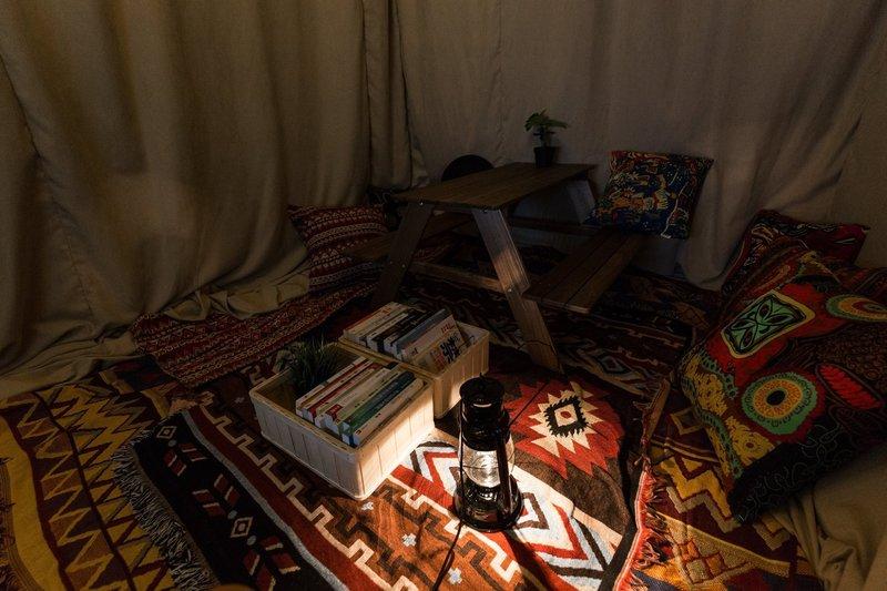 Party Room 銅鑼灣 Hong Kong hk 香港 玩樂活動 The Roomss - Camping 銅鑼灣 Party Room 主題房 適合 3 至 6 人