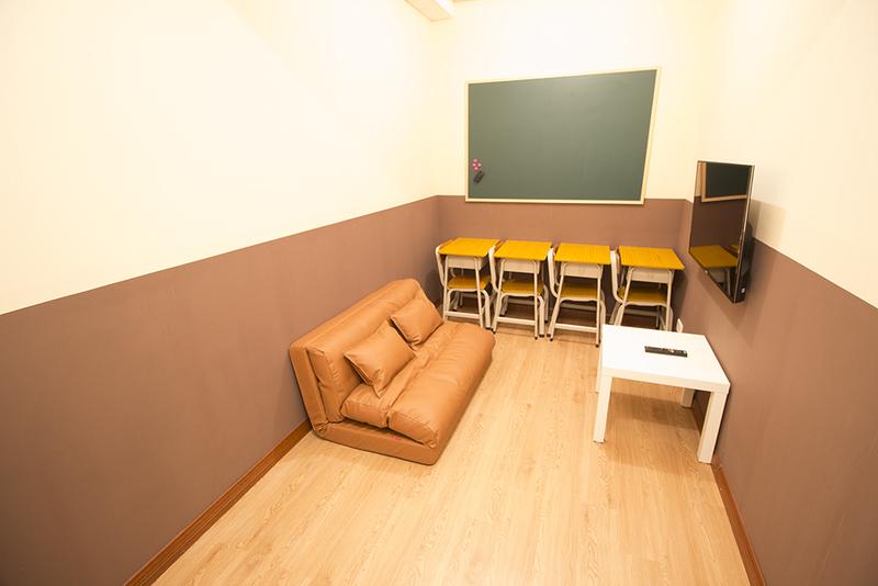 Party Room 尖沙咀 Hong Kong hk 香港 玩樂活動 Secret Party(TST) - Classroom 適合 4 至 8 人