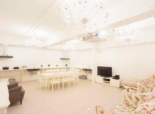 Party Room 觀塘 Hong Kong hk 香港 玩樂活動 場地 Comma Party - 白雪公主主題房 適合 6 至 20 人