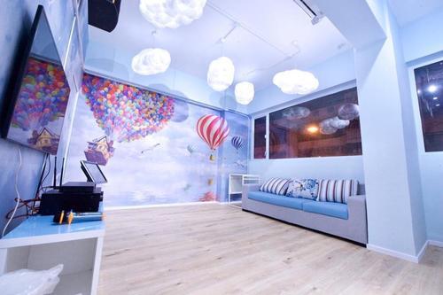 Party Room 尖沙咀 Hong Kong hk 香港 玩樂活動 場地 Endless Party House - 天空藍 適合 2 至 4 人