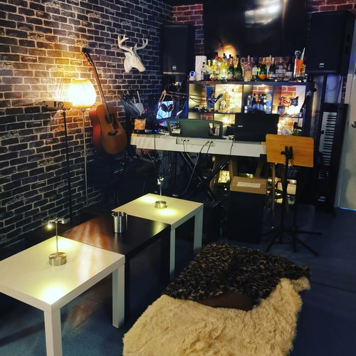 Party Room 長沙灣-荔枝角 Hong Kong hk 香港 玩樂活動 場地 Login Party - Live Band 房 適合 4 至 20 人